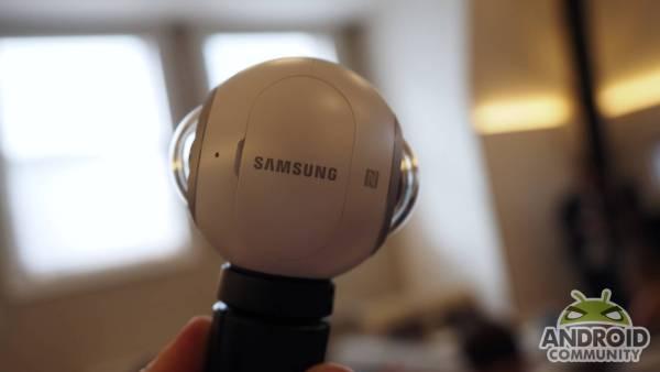 samsung-gear-360-camera-ac-1