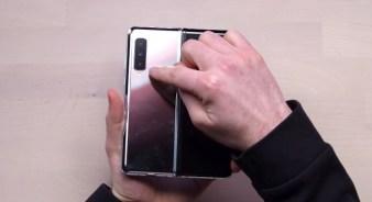 Samsung Galaxy Fold Unboxing 10