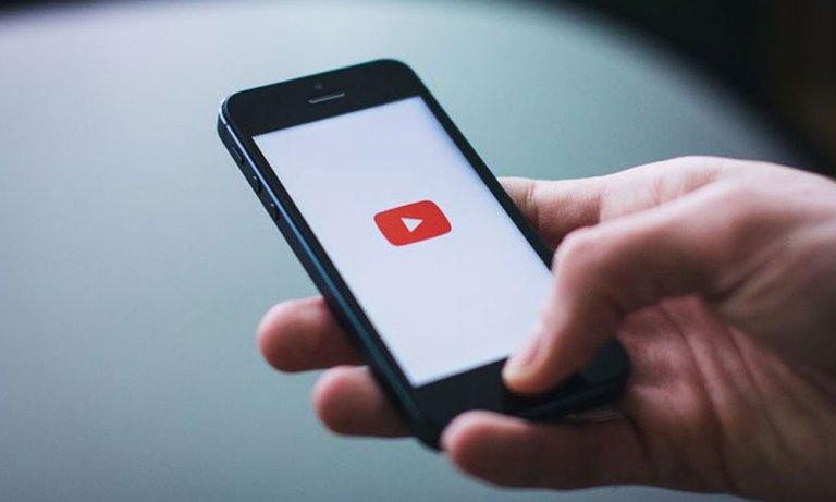 Планирование уведомлений YouTube на устройстве Android (как сделать)