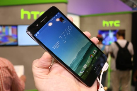 HTC Desire 728G con 1.5 GB de RAM