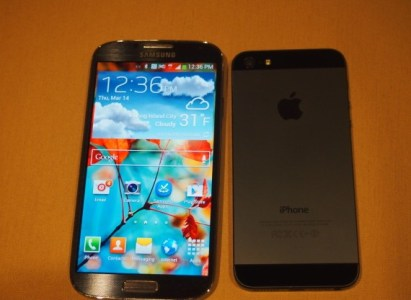 Samsung Galaxy S4 vs iPhone 5S