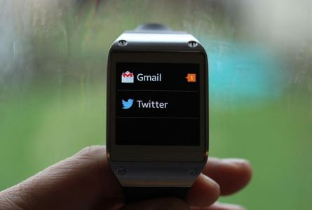 Samsung Galaxy Gear Updates for Gmail, Facebook and Twitter