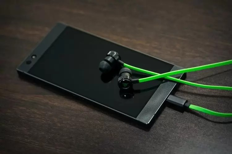 Razer lança fone de ouvido intra-auricular Hammerhead USB-C para o Razer Phone mas não só 2