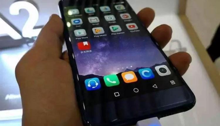 Hands On Hisense A2 Pro: O telefone com 2 ecrãs 11