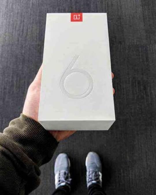 Já conhece a caixa OnePlus 6? 1