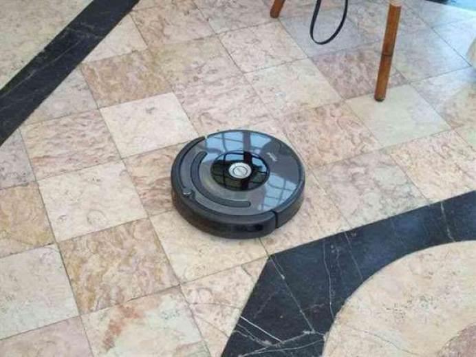 Roomba® 676, agora disponível em Portugal 1
