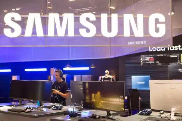 Samsung Booth At Gamescom 2018 1 Cjg5 720x480 Androidgeek.jpg