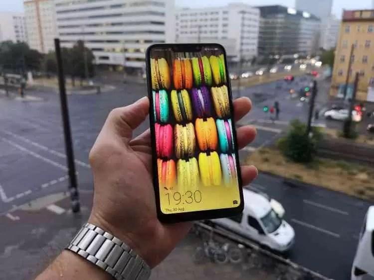 Huawei Mate 20 Lite: Análise Auriculares com cancelamento de ruído de oferta pré venda image