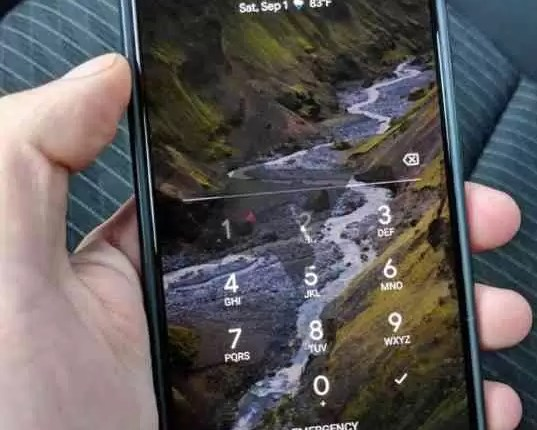 Alguien Se Ha Dejado Un Google Pixel 3 Xl En La Parte Trasera De Un Taxi