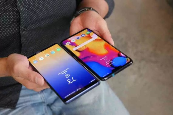LG V40 ThinQ vs Samsung Galaxy Note 9 1