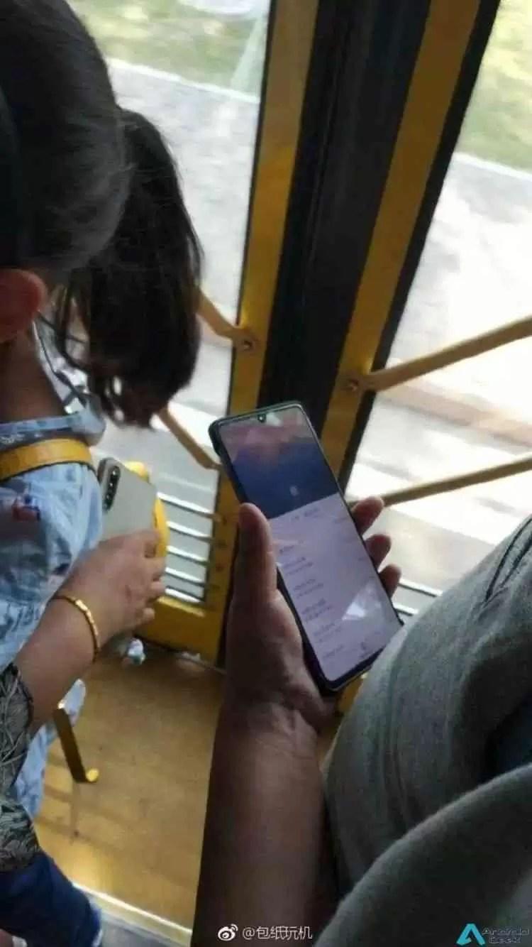 Alegado Huawei Mate 20X aparece em imagens reais 2