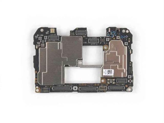 Desmontagem do Huawei Mate 20 Pro revela uma difícil reparação 3