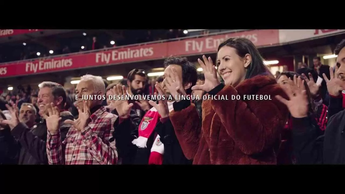 Campanha Huawei ensina língua gestual do futebol 1