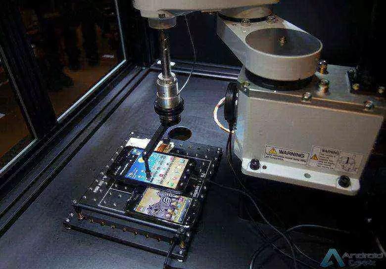 Tappy usado para testes de controlo de qualidade em smartphones