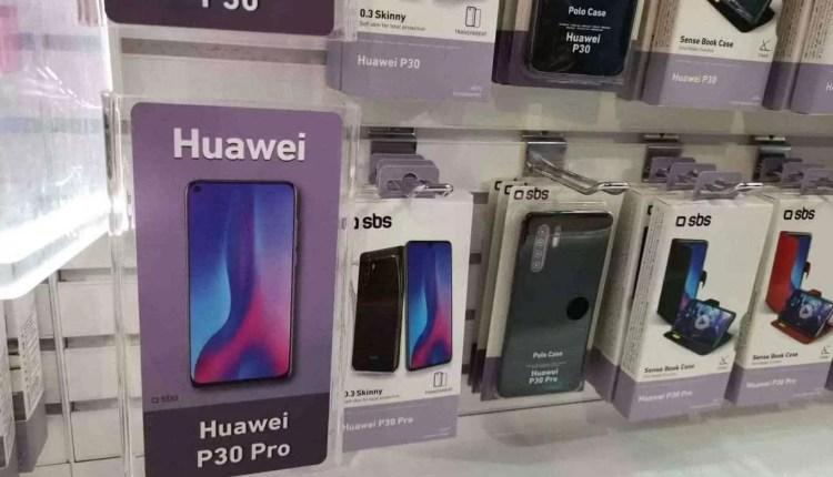 CEO da Huawei visto com o Huawei P30 Pro 14