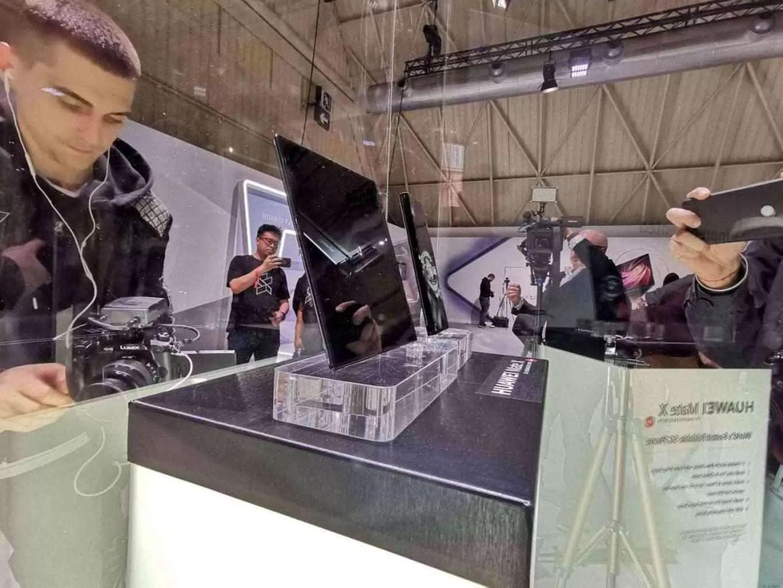 Huawei Mate X passa pela certificação TENAA o que prova que o lançamento está iminente 1