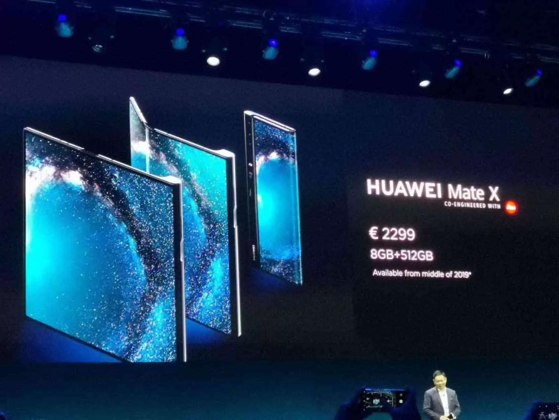 Primeiro olhar Huawei Mate X: Três modos de ecrã, quatro Câmaras, 5G 5