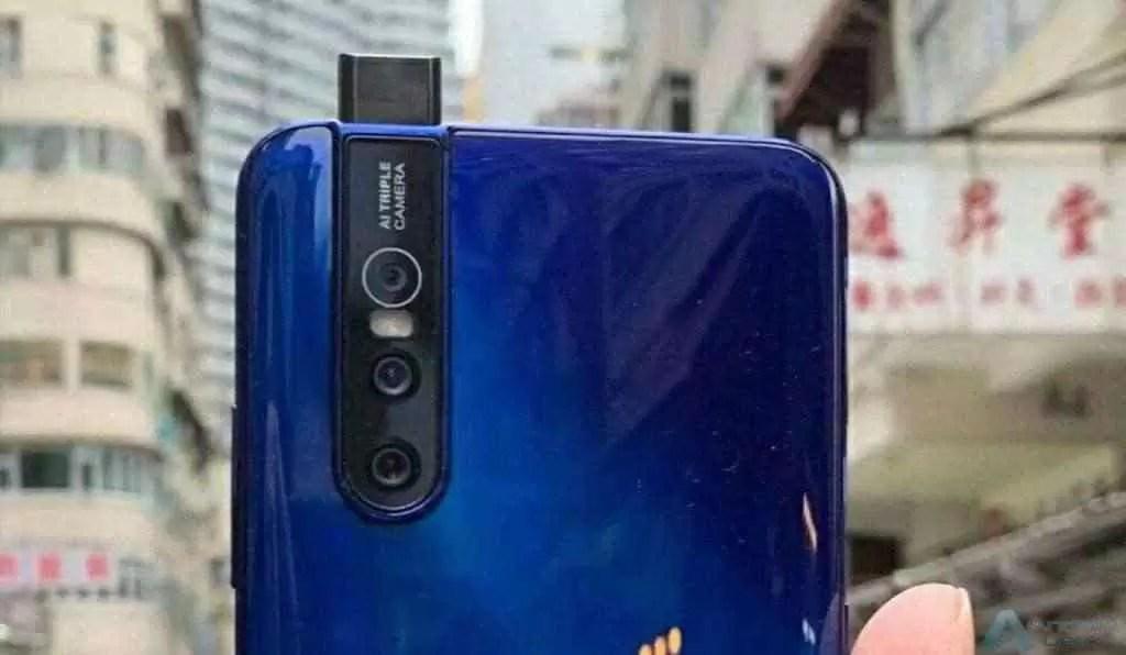 vivo V15 Pro aparece deslumbrante em azul 1