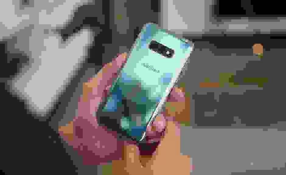 Samsung Galaxy S10e vs. iPhone da Apple XR 3