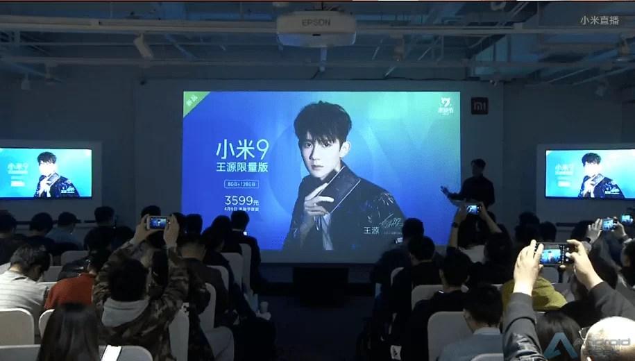 Xiaomi Mi 9 aparece com traseira transparente e tema personalizado 3