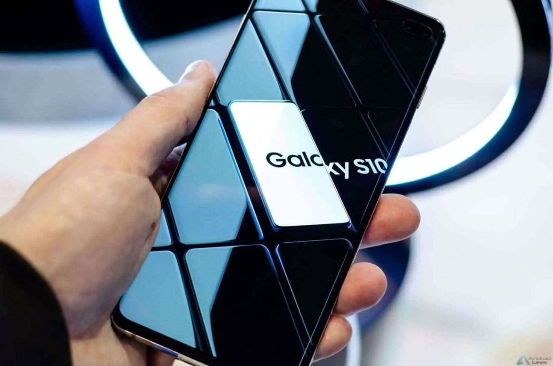É assim que a Samsung imaginava o futuro dos smartphones em 2013 e acertou 1