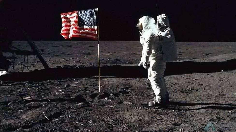 Google celebra o 50º aniversário da chegada do homem à Lua 1