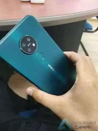 Nokia 7.2 em ciano