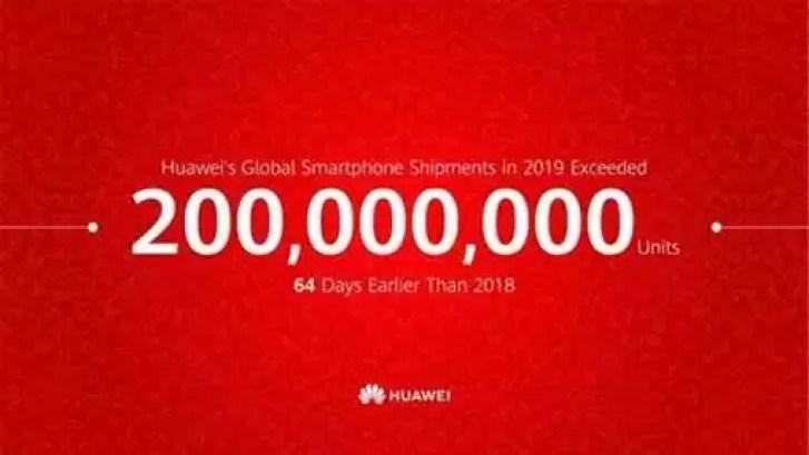 Huawei vende 200 milhões de smartphones dois meses antes do previsto