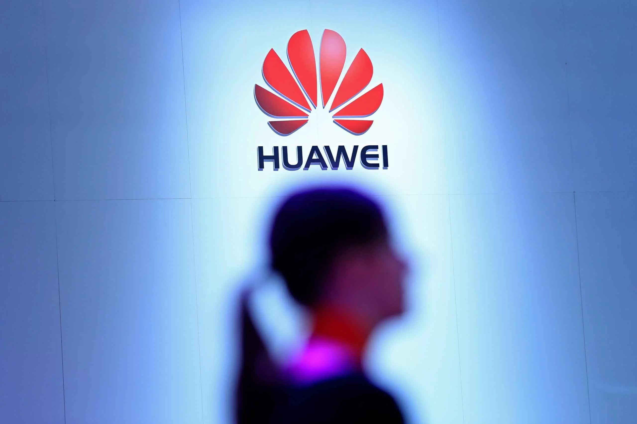 bán hàng smartphones Tại Trung Quốc, nó đã giảm 22% trong quý đầu tiên và Huawei đã tăng vị trí lãnh đạo 1