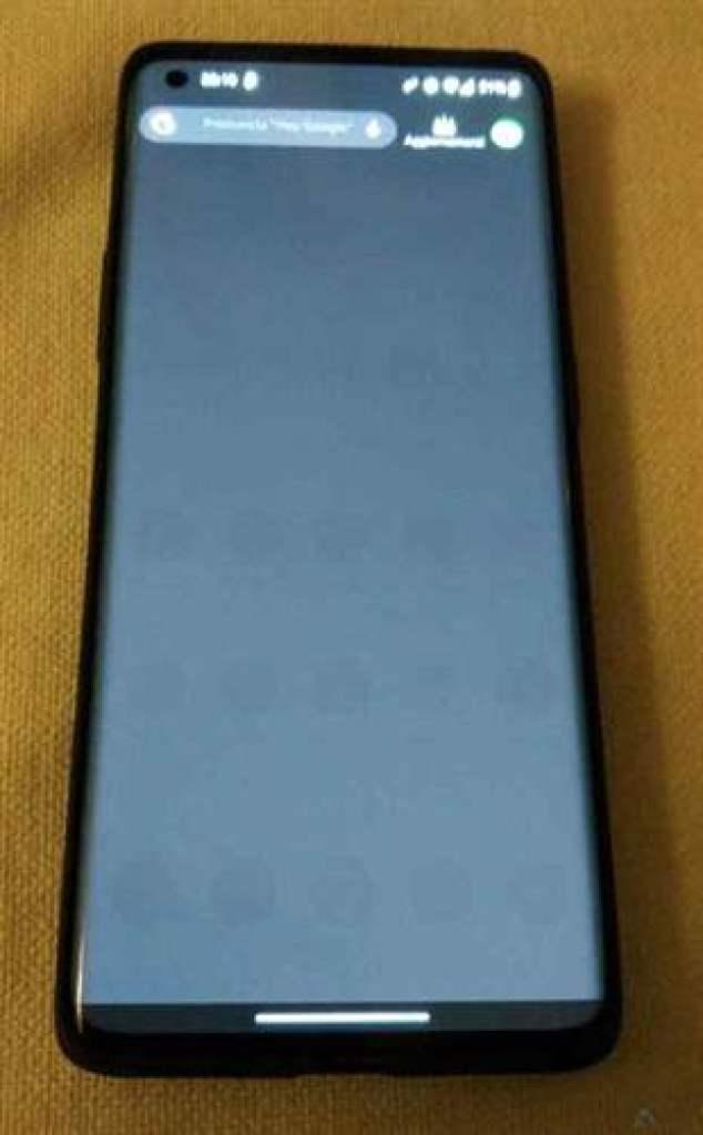 Problemas no ecrã do OnePlus 8 Pro serão resolvidos na próxima OTA 4