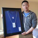 """Apple Ex-Mitarbeiter """"Sam Sung"""" verkauft seine Mitarbeiterkarte"""