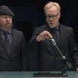 Gorilla Glass 4: Neues Schutzglas soll kaum noch brechen, MythBusters machen den Test (Video)