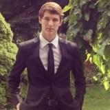 Teenager verliert Smartphone; Wird beim Versuch sich das Gerät wieder zu holen ermordet