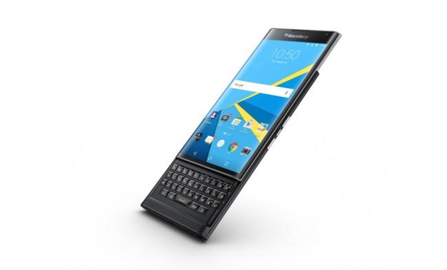 """Das Smartphone Priv war erst der Anfang: In Zukunft wird das Unternehmen BlackBerry weitere Android-Geräte auf den Markt bringen – und unter Umständen sein eigenes Betriebssystem """"BlackBerry 10"""" aufgeben. (Foto: BlackBerry)"""