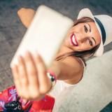 Alltags-Geheimtipp: Auf Selfies aussehen wie ein Filmstar