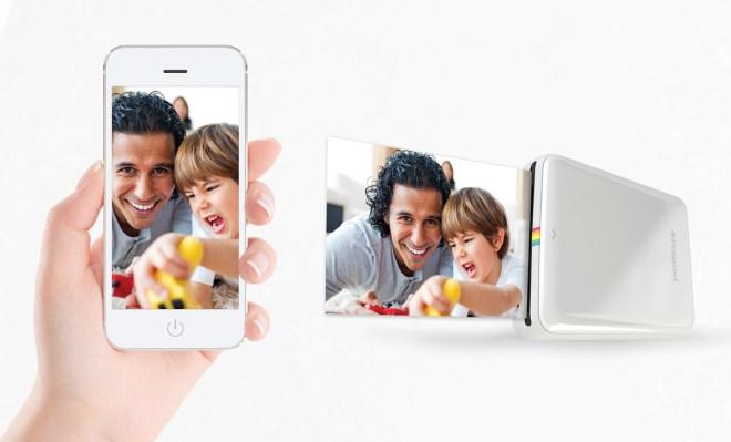 Das Handy-Cover mit integriertem Fotodrucker macht das Smartphone zur Polaroid-Kamera: Es produziert sehr flink Abzüge im Format 2 x 3 Zoll (5,1 x 7,6 cm). Mit der Hersteller-App lassen sich Fotos vor dem Druck verschönern. (Foto: Prynt)