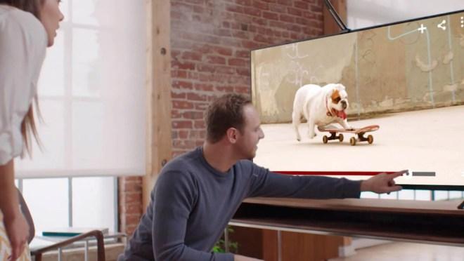 Einem TV-Bildschirm bedienen wie ein Tablet. Touchjet WAVE macht´s möglich (Foto: Touchjet)
