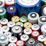Tipp: So einfach kannst du testen, ob deine Batterien noch gut sind