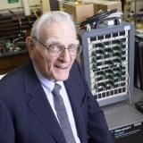 Erfinder der Lithium-Ionen-Batterie tüftelt an neuem Akku-Typ