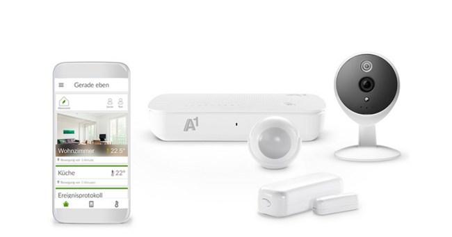 """Das Starterpaket """"Sicherheit"""" enthält die Zentraleinheit """"A1 Smart Home Gateway"""", eine Überwachungskamera, einen Tür- und Fenster-Sensor sowie einen Multisensor. (Foto: A1)"""