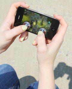JOYSTICK-IT: Von virtuellen Tasten zum realen Gamepad