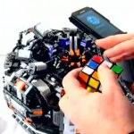 Galaxy S2 Roboter löst Rubiks Cube in Sekundenschnelle