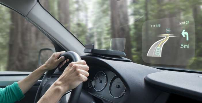 woman_driving_side-820x420