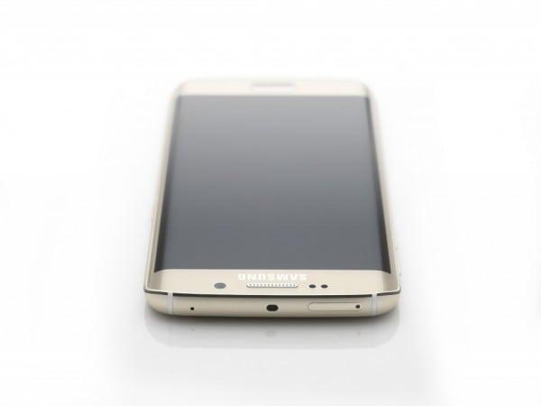 Galaxy S6 edge_Topdown_Gold Platinum_Art Photo