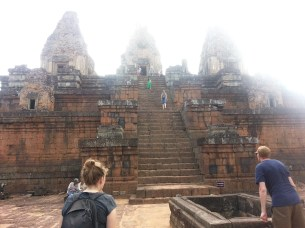 Pre Rup, contemplating stairs