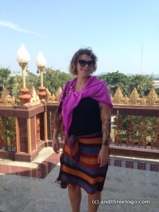 I think I look way sexier with the sarongs, don't you?