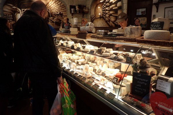 H&M's special cheese shop