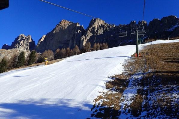 Snow depth = 50cm Pure man-made
