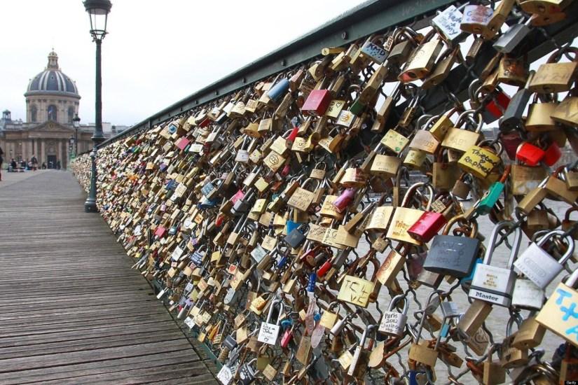 Problem lovelocks in France