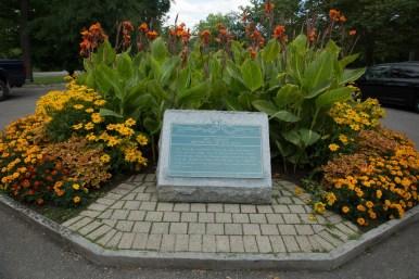 Plaque indicating the original location of Niagara Falls